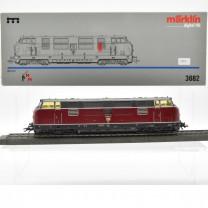 Märklin 3682.1 Diesellok BR 221 DB, (25275)