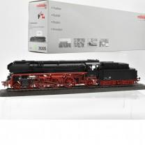 Märklin 39205 Schnellzug-Dampflok BR 01.5, DR/DDR Ep.III, mit Rauchsatz, (21969)