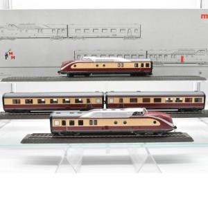 Märklin 37605/43115 Triebzug VT 11.5 mit Zwischenwagen 43115 (21000)