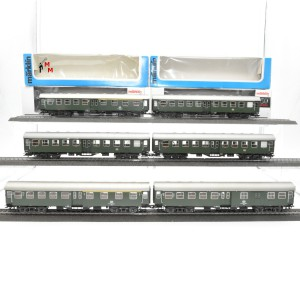 "Märklin 4133.999 Wagengarnitur ""Umbauwagen der DB"", 6 Umbauwagen, beleuchtet, (23097)"