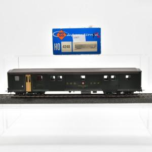 Roco 4240 Postwagen der SBB, mit Gleich- und Wechstromachsen, (25837)