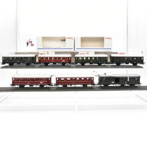 """Märklin 4316.999 Wagengarnitur """"Einheits-Nebenbahnwagen"""", beleuchtet, Funktionsdecoder, (23192)"""