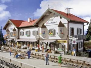 (Neu) Vollmer 43522 Bahnhof Burghausen, H0,