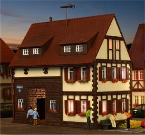 (Neu) Vollmer 43653 H0 Wohnhaus,