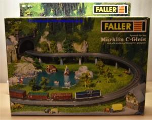 Falller 12470 und 120471 Brückenauffahrten für das Märklin C-Gleis, (22106)