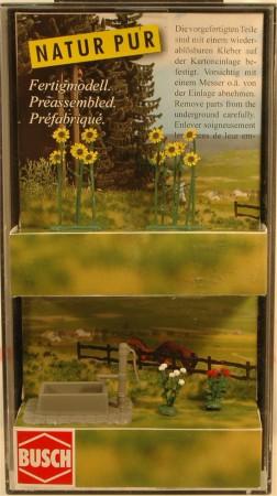 (Neu) Busch H0 1232 Sonnenblumen und Rosen,