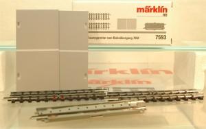 (Neu) Märklin 7593 Zusatzgarnitur zum Bahnübergang 7592,